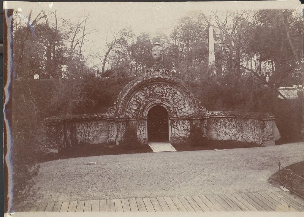 Auburn Lake Receiving Tomb, 1905.